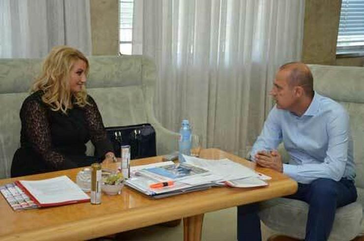 Zlatibor Lončar, medicinska sestra, foto promo Ministarstvo zdravlja