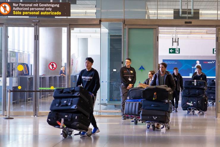 Fudbaleri Vuhana na aerodromu u Španiji
