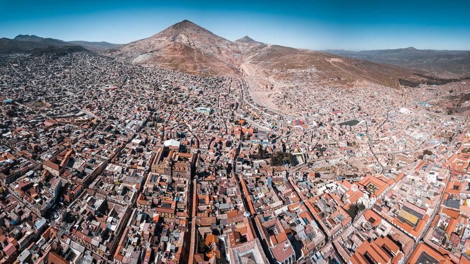Cerro Rico (Bogata Góra) w Boliwii i miasto Potosi