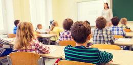 Czarnek ma problem. Naukowcy chcą odsunąć niezaszczepionych nauczycieli od uczenia dzieci