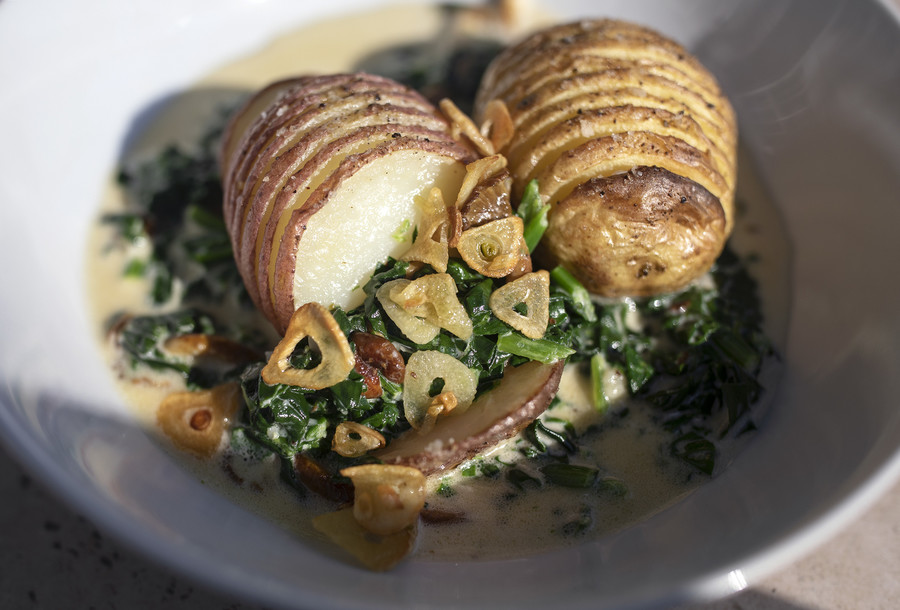 Hasselback / GettyImages