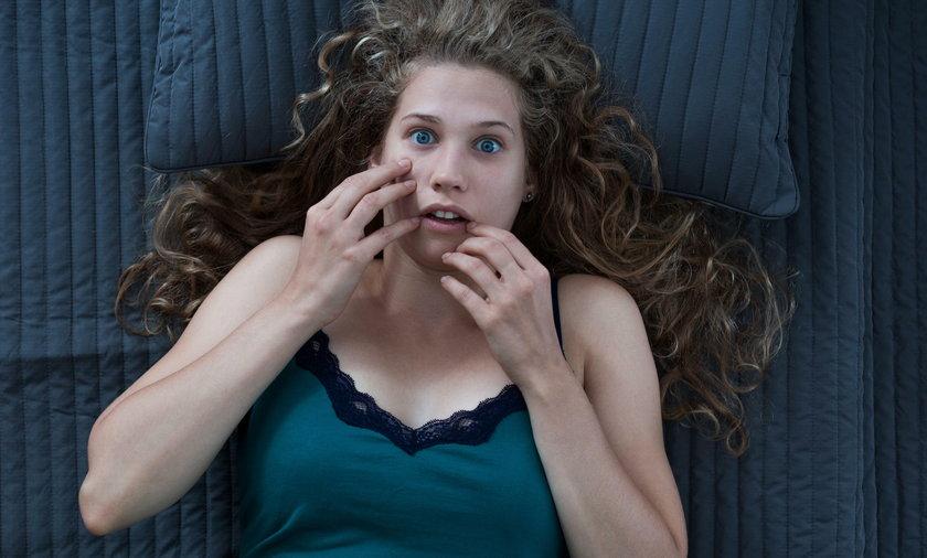 Nastolatka obudziła się i zamarła