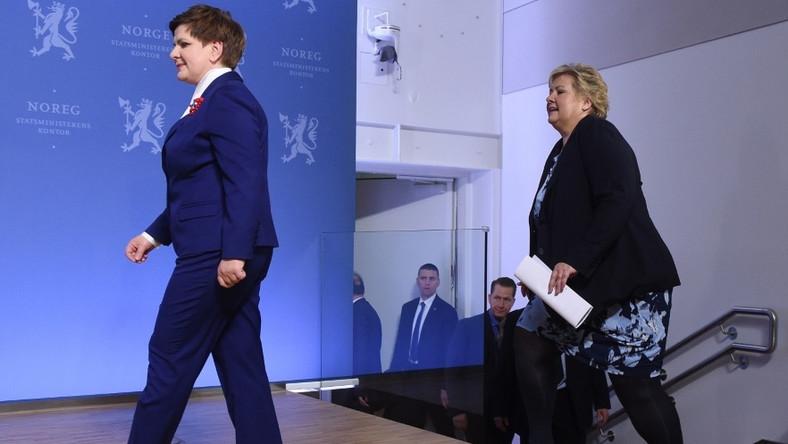 ... Sytuacja trochę się polepszyła, gdy norweska pani polityk założyła marynarkę, ale i tak nasza pani premier na jej tle wyglądała rewelacyjnie, mimo że...