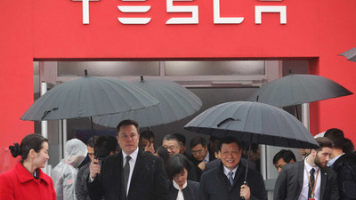 Tesla has scrapped plans to expand its Shanghai Model 3 factory, and will slow production in China because of US-Beijing tensions, according to a report