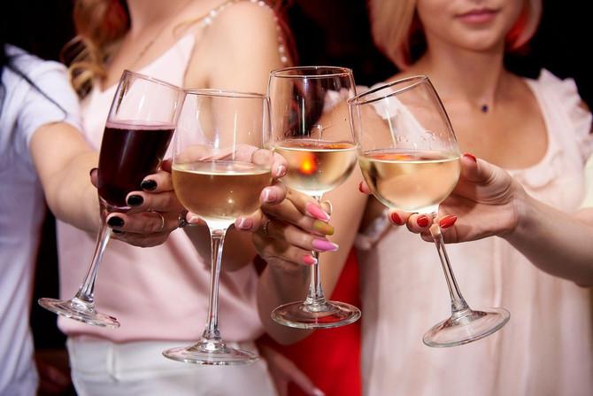 Uz ovaj trik, rashladite vino za tri minuta!