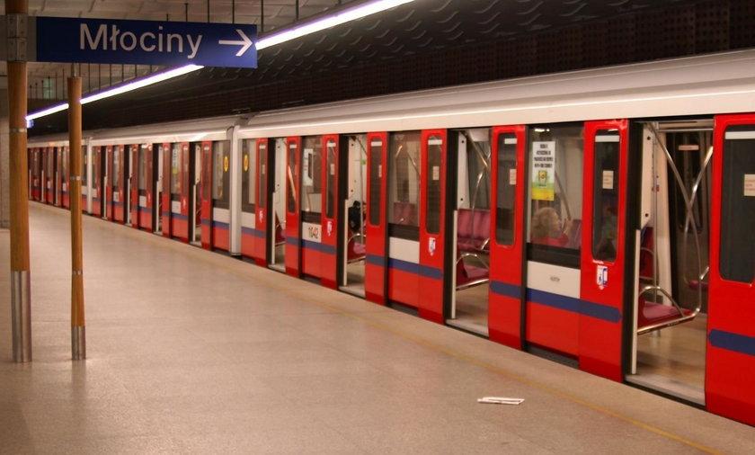 Zamknięto pięć stacji metra