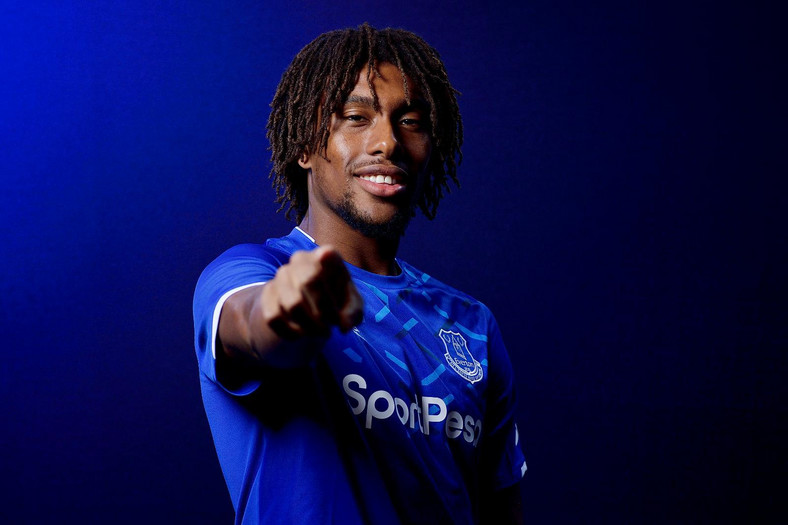 A source told Pulse Sports that Alex Iwobi was disillusioned with how Arsenal fans had treated him (Everton)