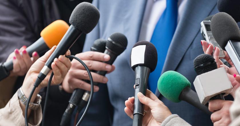 Autoryzacji nie będą podlegać wypowiedzi publiczne, pochodzące np. z konferencji prasowych
