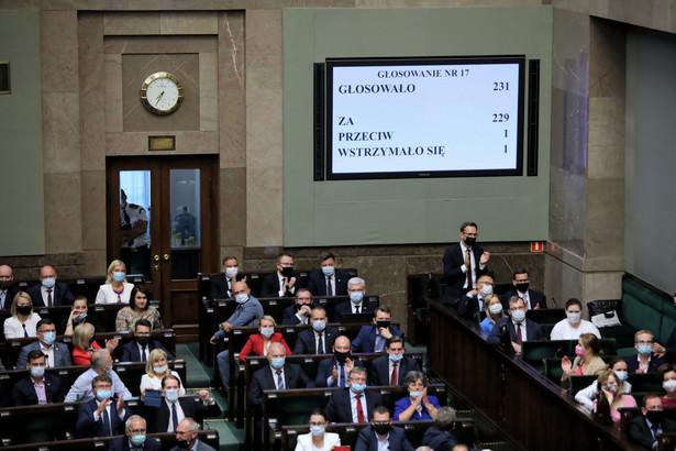 Posłowie głosują wniosek o reasumpcję