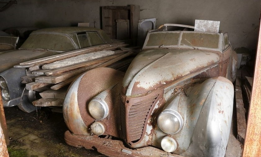W stodole odnaleziono samochody warte 53 mln zł.