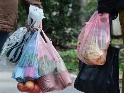 Opłata recyklingowa za torbę foliową wyniesie 20 gr