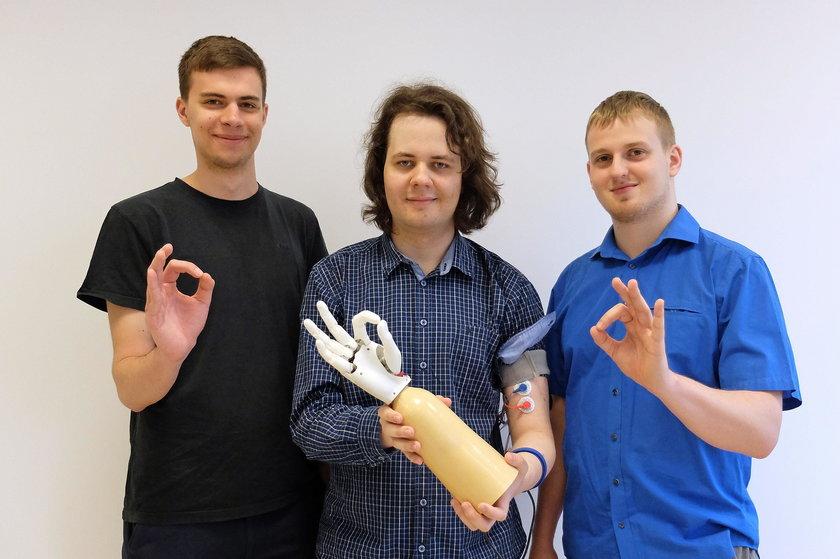 Polscy studenci stworzyli sztucznąrękę!