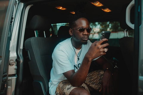 It looks like Mr Eazi is calling out the organisers of one of the most prestigious music awards 'Headies' for not giving him the car he won back in 2016 as the 'Next Rated' artist. [Instagram/MrEazi]