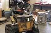 YT_Wall_E_replika_robot_vesti_blic_safe_06am
