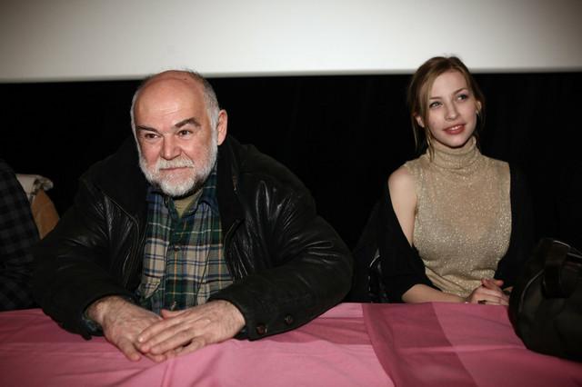 Tamara Aleksić sa Aleksandrom Berčekom koji igra profesora Kostu Vujića