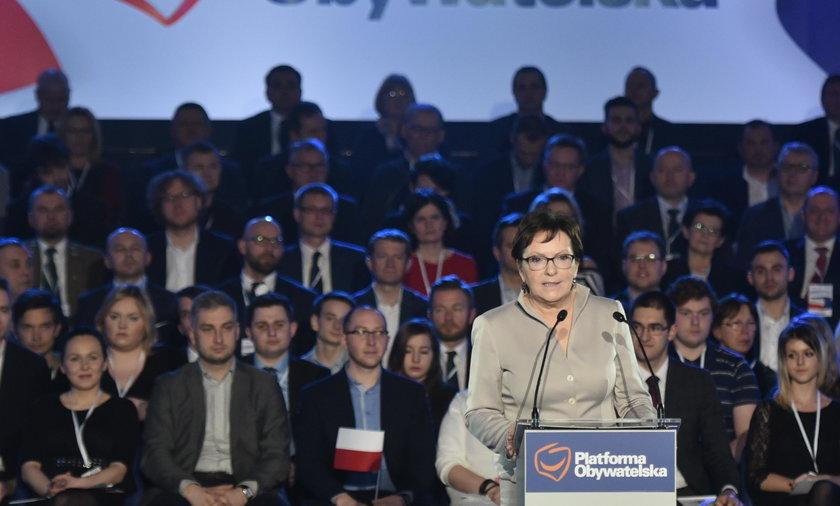 """Doradcy Kopacz """"wydzwonili"""" 147 tys. zł!"""