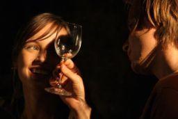 "Kadr z filmu ""Młode wino"""