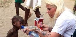 Co łączy kobietę spaloną w Reszlu z chłopcem uratowanym w Afryce?