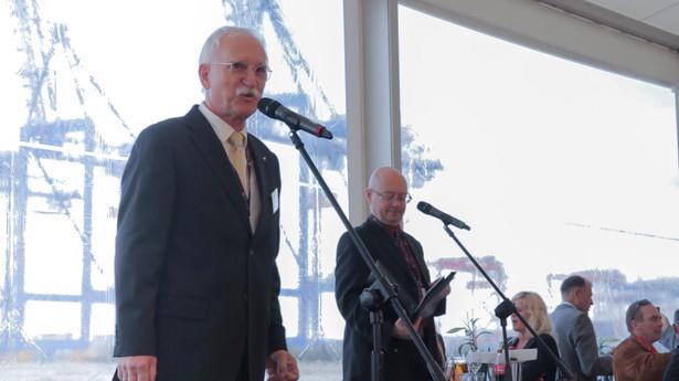 Kwiatkowski chce budować nowy terminal za 250 mln euro