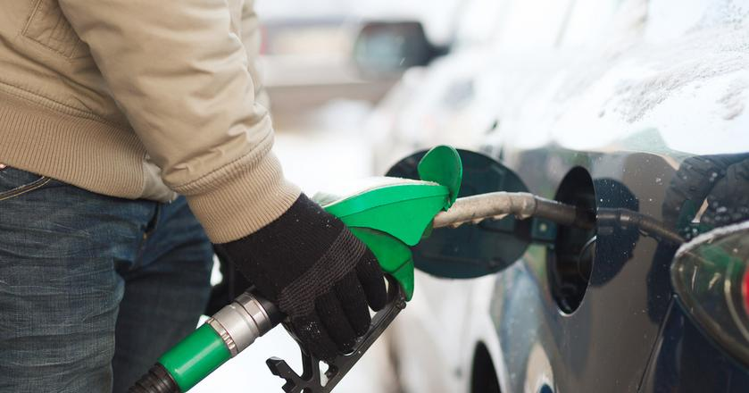 Ceny paliw mogą wzrosnąć w okresie wyjazdów na Wszystkich Świętych