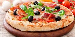 Pizza z patelni. Przepisy: pizza fit, bez jajek, bezglutenowa, wegańska