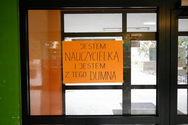 Według ministra, w dalszym ciągu jest to narażanie uczniów na stres. Jak zauważył, powoduje to sytuację, w której nie wiadomo, kiedy ten egzamin ma nastąpić.