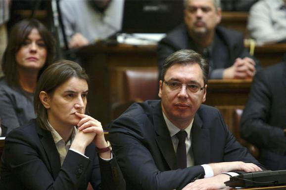 Ministarka Brnabić i premijer Vučić