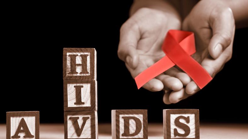 W Polsce od 1985 r. do końca kwietnia 2011 r. stwierdzono zakażenie HIV u 14 474 osób