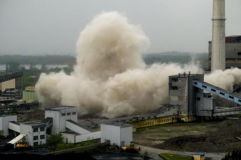 Będzin. Wyburzenie chłodni kominowej w elektrowni Łagisza
