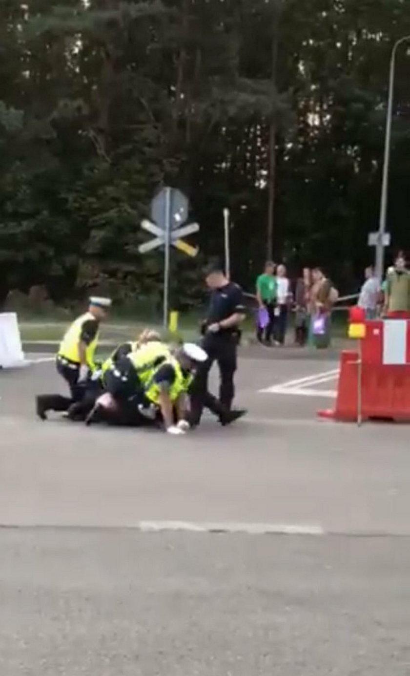 Nagus zaatakował policjanta zabezpieczającego Pol'And'Rock Festival