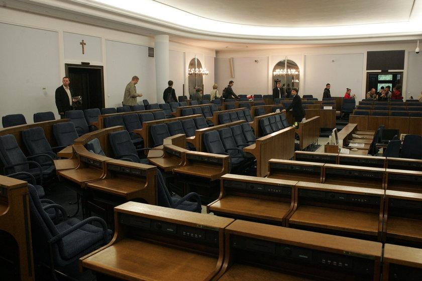 Znany politolog: Przegrani chcą iść do Senatu