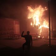 Nasilni protesti sinoć u Mineapolisu