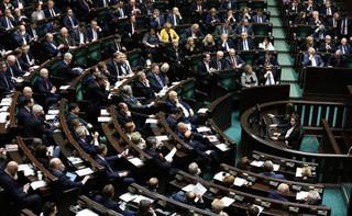 Posłowie KO tłumaczą się z nieobecności na głosowaniu w sprawie ustawy sądowej