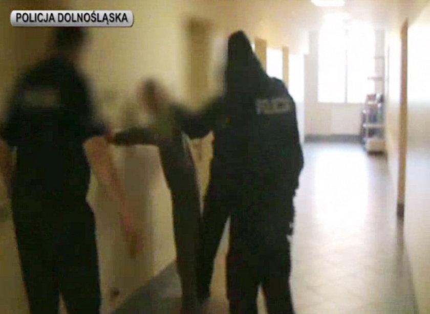 Adrian K. (27 l.) zbieg z aresztu śledczego w Lubaniu, w rękach policji