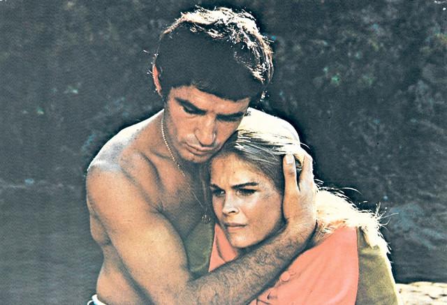 """U filmu """"Avanturisti"""", u režiji Luisa Gilberta Bekim Fehmiu je bio partner Kendis Bergen, Šarla Aznavura i Alana Badela"""