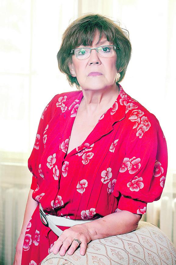 Vesna Pešić: Patologija društva