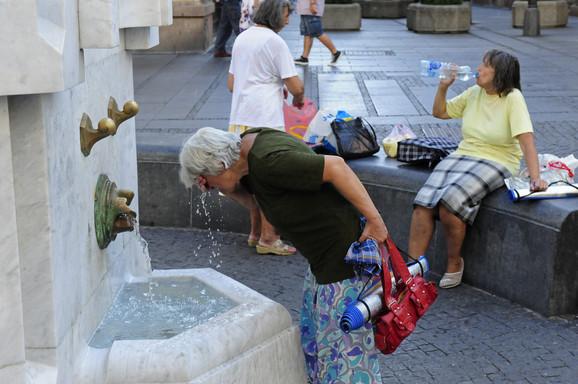 U Beogradu će krizni štab danas odlučivati da li će biti proglašena vanredna situacija