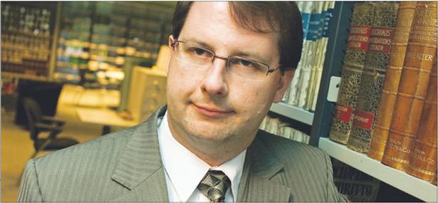 Konrad Osajda, doktor, absolwent Uniwersytetu Warszawskiego i w Ottawie, dwukrotny laureat nagrody Fundacji na rzecz Nauki Polskiej, stypendysta tygodnika Polityka, zwycięzca Złotych Skrzydeł 2009 Fot. Wojciech Górski