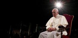 Papież na Drodze Krzyżowej w Koloseum: wszystkie krzyże świata