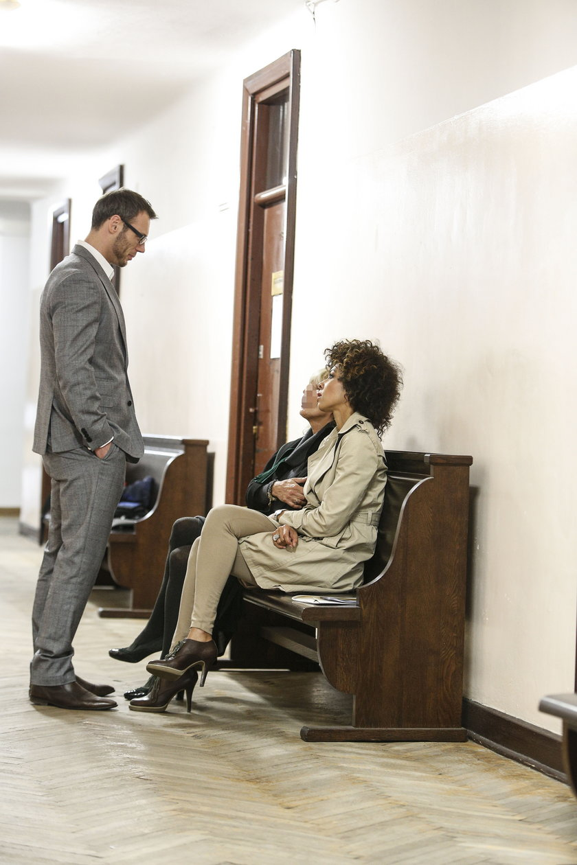 Omenna Mensah w sądzie
