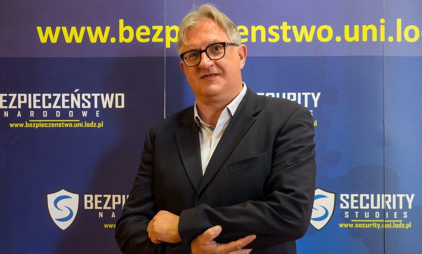 Prof. Jacek Reginia–Zacharski: Złe emocje to broń masowego rażenia