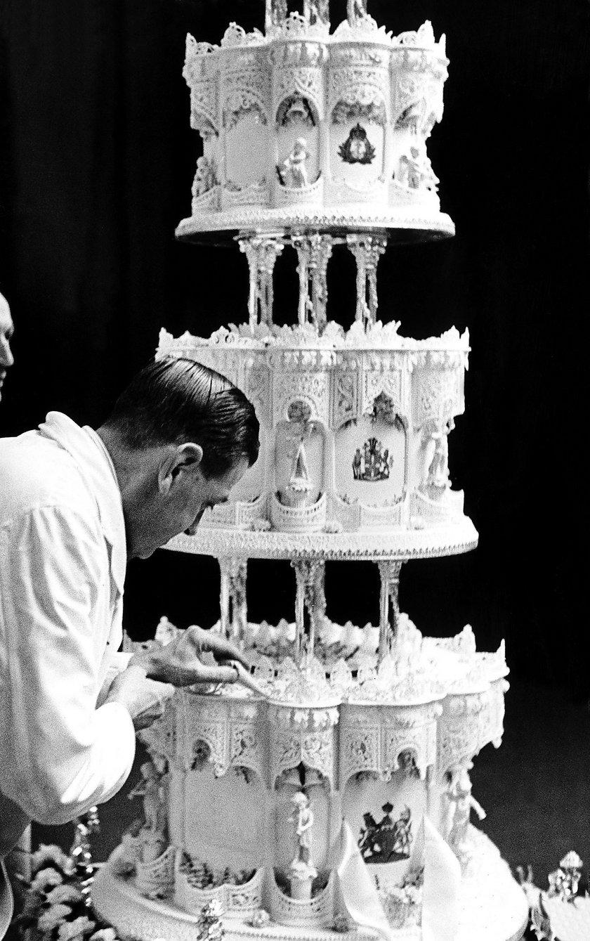Tort królowej Elżbiety i księcia Filipa (1947 r.)