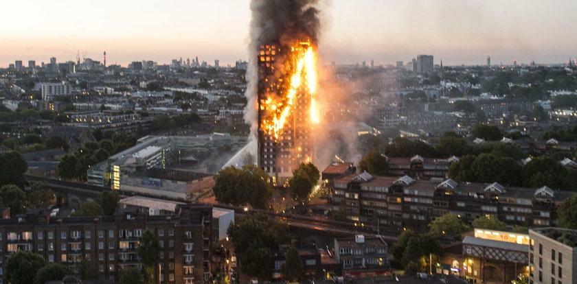 72 osoby spłonęły w Londynie. To błąd strażaków?