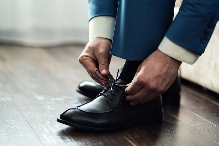 Jakie buty męskie wybrać do garnituru?