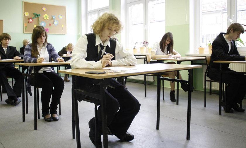 Podczas egzaminu gimnazjalnego z języka polskiego doszło do przecieku