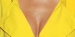 Cóż za piersi w sexy płaszczyku!