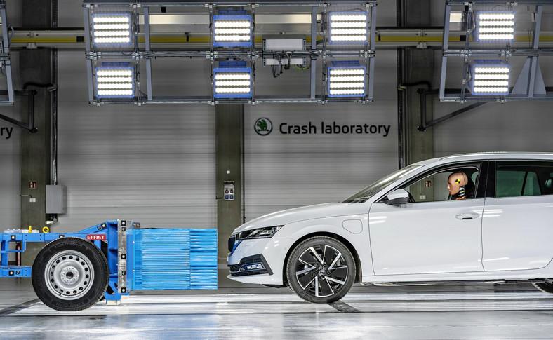 Skoda sama rozbija swoje samochody w nowym laboratorium