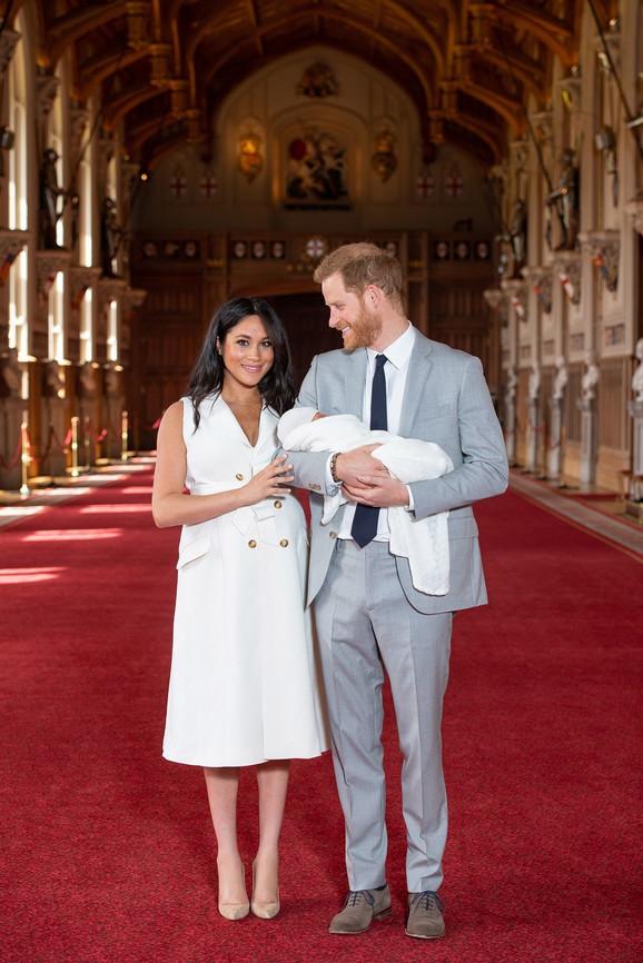 POJAVILA SE PRVA FOTOGRAFIJA Megan i Hari pokazali sina