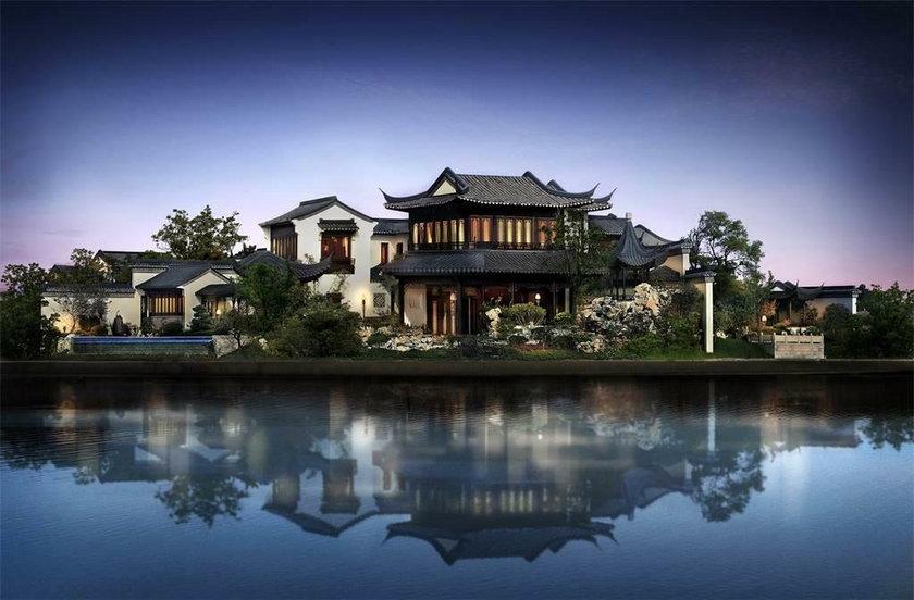 Te domy są warte fortunę! Zobacz, jak wyglądają w środku