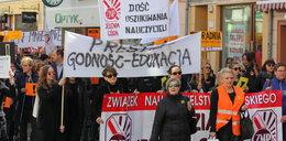 Czyją winą jest strajk nauczycieli? Odpowiedź zastanawia